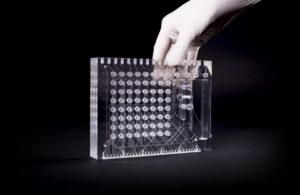 Medical Microfluidic Multi-Layer Manifold